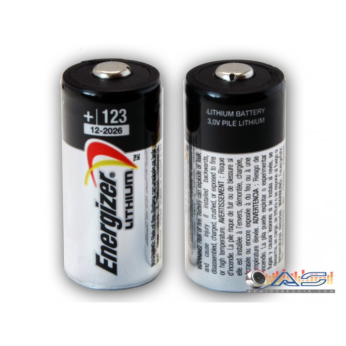 N.2 Batterie CR123 Litio Energizer originali.